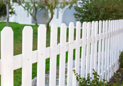 This photo shows a vinyl fence installation in Paterson